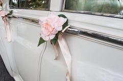 Verfraaide huwelijksauto Stock Fotografie