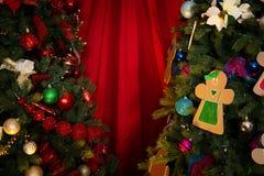 Verfraaide Kerstbomen royalty-vrije stock foto's