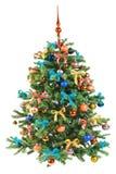 Verfraaide Kerstboom op witte achtergrond Royalty-vrije Stock Afbeeldingen