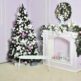 Verfraaide Kerstmis en nieuwe jaarboom stock fotografie