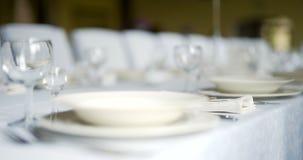 Verfraaide lijst voor luxe, elegant diner, Diner Romaanse Achtergrond stock videobeelden