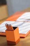 Verfraaide minimale bureau werkende hoek in moderne stijl Royalty-vrije Stock Afbeeldingen