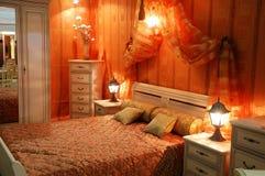 Verfraaide slaapkamer Stock Afbeeldingen