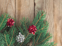 Verfraaide spar in Kerstmisatmosfeer Royalty-vrije Stock Foto's