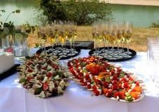 Verfrissing - catering bij huwelijksdag stock afbeelding