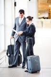 Vergadering bij luchthaven stock fotografie