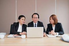 Vergadering van bedrijfdirecteuren stock afbeelding