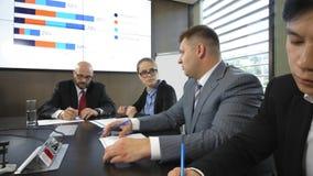 Vergadering van de Raad van beheer van het joint-stock bedrijf in langzame motie stock video