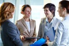 Vergadering van vrouwen Royalty-vrije Stock Fotografie
