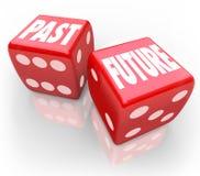 Vergangenheit gegen zukünftigen Würfel heute Tomrrow-Vergleich, der Glücksspiel wettet Lizenzfreie Stockfotografie
