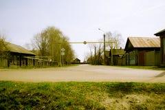 Vergaste retro straat in de Russische provincie Stock Foto