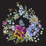 Vergeet het borduurwerk bloemenpatroon met pansies, kamilles en me Stock Foto