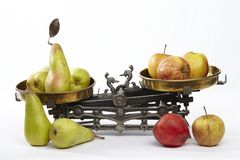 Vergelijk appelen bij peren stock fotografie