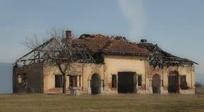 Övergett hus Arkivbild