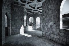Övergett rum i slotten Royaltyfri Bild