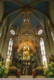 Vergine Maria con il bambino Gesù, statua sull'altare principale nella cattedrale di Zagabria Fotografia Stock Libera da Diritti