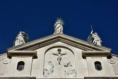 Vergine Maria e gli angeli esaminano il cielo a Venezia fotografia stock
