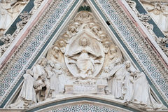 Vergine Maria ha messo, circondato dagli angeli, portale di Florence Cathedral Fotografie Stock Libere da Diritti