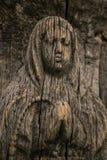 Vergine Maria ha scolpito sull'icona di legno antica Fotografia Stock