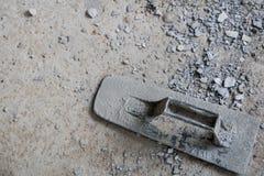 Vergipsen Sie Zement auf dem Boden für den Bau lizenzfreie stockbilder