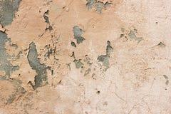 Vergipste Wand mit Beschaffenheitssprüngen stockbilder
