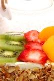 Verglaasde Fruit Bedekte Cake royalty-vrije stock afbeelding