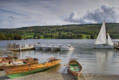 Vergnügensboote auf Coniston wat Lizenzfreie Stockfotografie