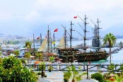 Vergnügenssegelschiff für Seeexkursionen auf dem türkischen Riviera Antalya, die Türkei stockfotos