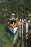 Vergnügungsdampfer auf dem Koenigssee See nah an Berchtesgaden, Ger Lizenzfreie Stockbilder