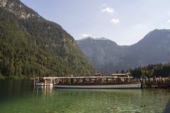 Vergnügungsdampfer auf dem Koenigssee See nah an Berchtesgaden, Ger Lizenzfreies Stockbild