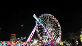 Vergnügungspark nachts stock footage