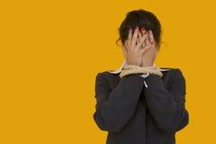 Vergonha da mulher de negócios imagens de stock