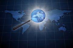 Vergrößerungsglas über der Weltkarte stock abbildung