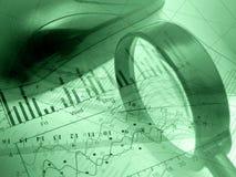 Vergrößerungsglas, Tabellierprogramm und Maus (Grün) Lizenzfreies Stockbild