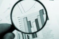 Vergrößerungsglas, zeichnendes Diagramm Lizenzfreie Stockfotos