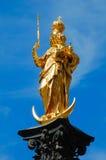 Verguld standbeeld in München stock fotografie