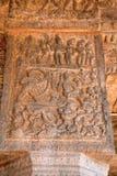 Verhaal van Siva-het branden kama, Rati en andere koninginnen die voor zijn leven, Binnenpijlers, agra-mandapa, Airavatesvara-Tem Stock Foto