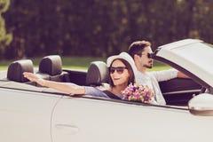 Verheiratete Familie, friendsip, Reise, entspannen sich, kühlen, entgehen, beschleunigen gereinigt Lizenzfreies Stockfoto