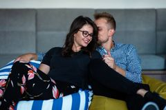 Verhouding, liefde Mooi paar samen Het genieten van de van vrije tijd stock foto's