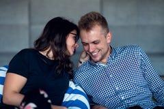 Verhouding, liefde Mooi paar samen Het genieten van de van vrije tijd royalty-vrije stock foto