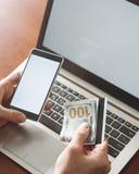Verificación bifactorial de la identidad de la autentificación imagen de archivo libre de regalías
