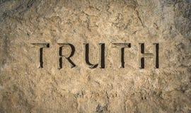 Verità cesellata in roccia fotografie stock libere da diritti
