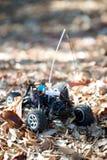 Veritcal del camion in foglie, nessun corpo del giocattolo RC Fotografie Stock Libere da Diritti