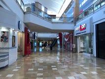 Verizon Wireless almacena el frente en el cerero Arizona Shopping Mall fotos de archivo