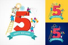 Verjaardag - achtergrond met mensen die pictogrammen en aantallen vieren Stock Foto's