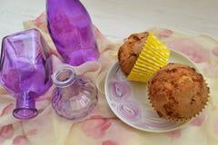 Verjaardag Tea Party mooie Cupcakes in buitensporige uitstekende stijl stock fotografie