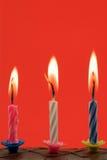 verjaardags kaarsen in een cake Royalty-vrije Stock Foto
