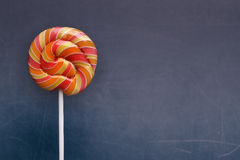 Verjaardagsachtergrond met suikergoed Stock Afbeeldingen