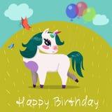 Verjaardagskaart met eenhoorn met ballen op het vectorbeeld van de open plek royalty-vrije illustratie