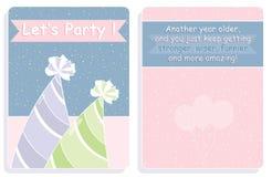 Verjaardagskaart, voor en achterontwerp met gekleurde partijhoeden Stock Foto